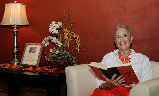 "Merida English Library: A 'Happy reader"" in the Judd Dole Room"