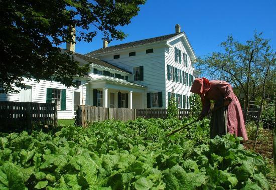 Wade House: Tending the heirloom kitchen garden