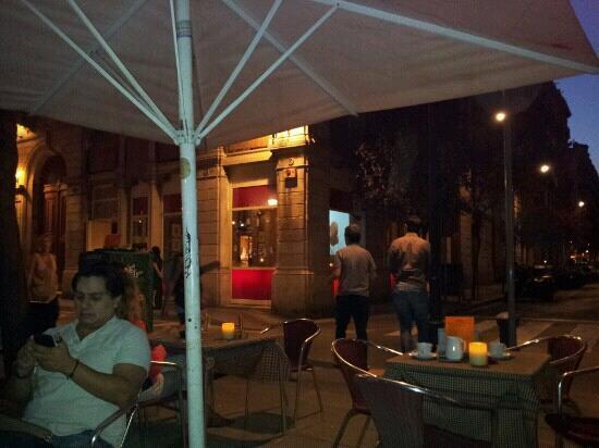 Carmelitas Tapas : sitting outside Carmelitas
