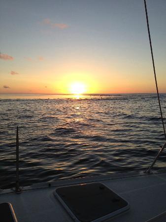 Hilton Moorea Lagoon Resort & Spa: Sunset on Catamaran Cruise