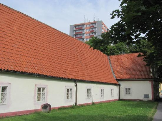 Holy Trinity Church : former hospital, today Salisian residence