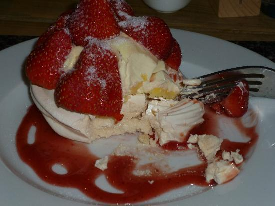 6 St. James Bistro: Puddings here are soo delicious