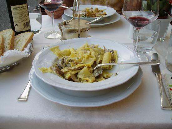 pasta with fresh porcini mushrooms - Picture of Ristorante Giglio ...