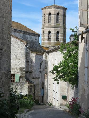 La Barguelonne : Montcuq, the village