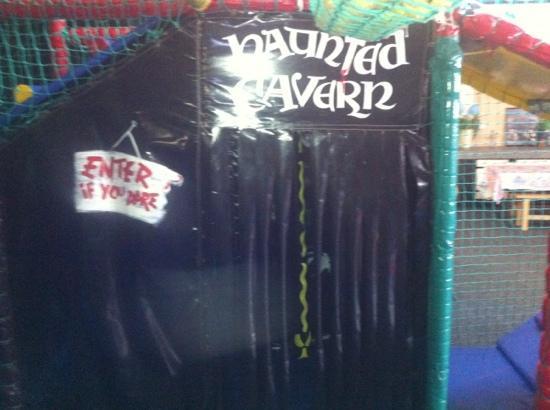 Treasure Island Fun Centre: haunted cavern