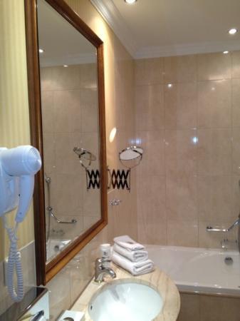 Hotel Branicki: Łazienka superior room