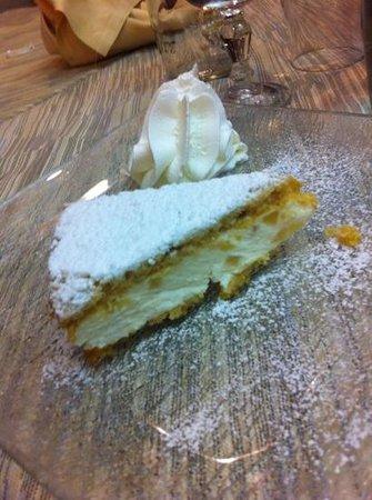 Piacenza, Italië: torta ricotta e pere