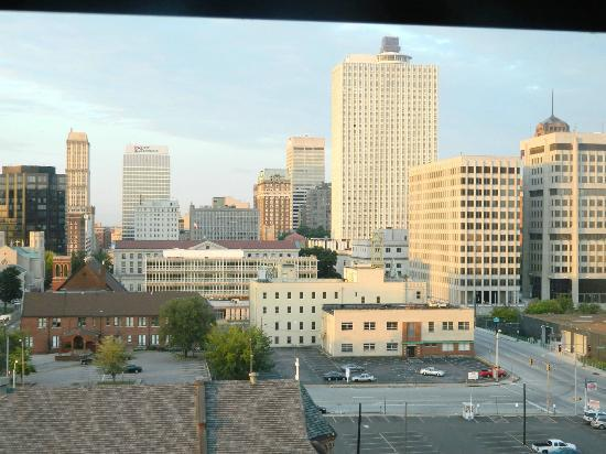 Crowne Plaza Memphis Downtown: 10th floor city view