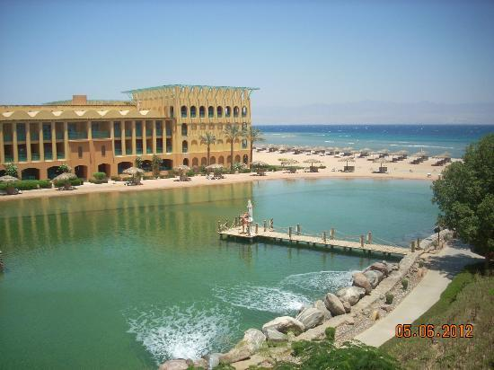 Strand Beach and Golf Resort Taba Heights : lagoon with red sea