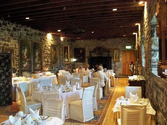 Ballyseede Castle: The Stone Room - Breakfast area
