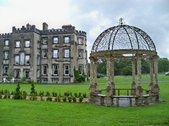 Ballyseede Castle: Rear lawn with gazebo