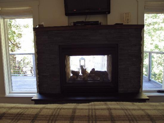Farmhouse Inn: indoor fireplace