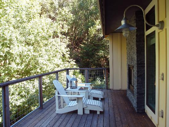 Farmhouse Inn: Outdoor deck