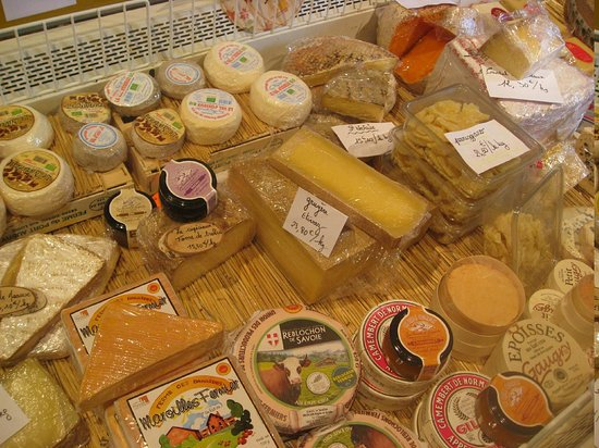 Paris Wine Day Tours: Cheese at the goat cheese farm