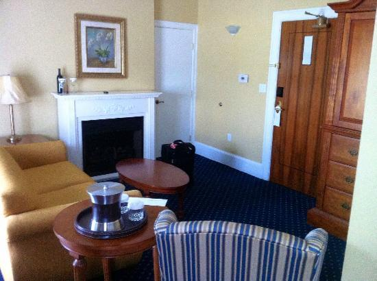 The Mimslyn Inn: Sitting area of suite