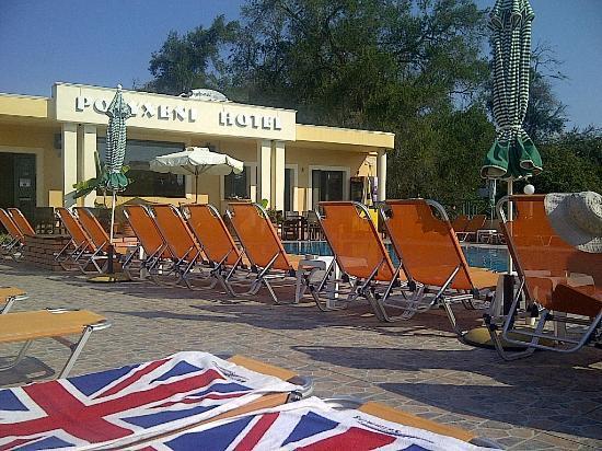 Polyxeni Hotel: Spacious pool area