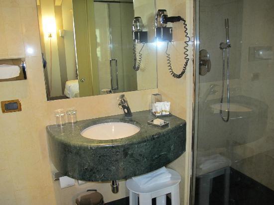 Hotel Ca' Zusto Venezia: クリーンなバスルーム