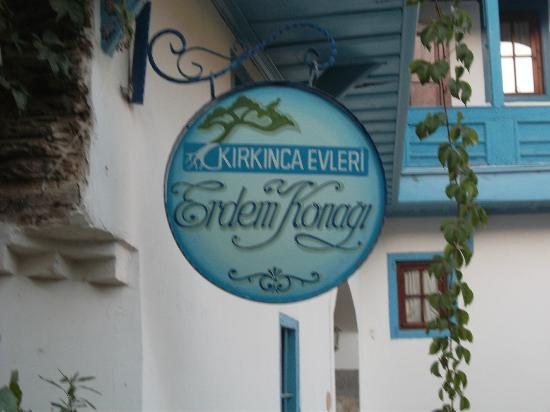 Kirkinca Hotel: Sign