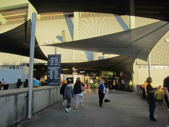 Domain Stadium: Entry to Petersons Stadium