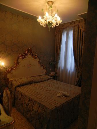 Hotel Ca' Dogaressa: Bed