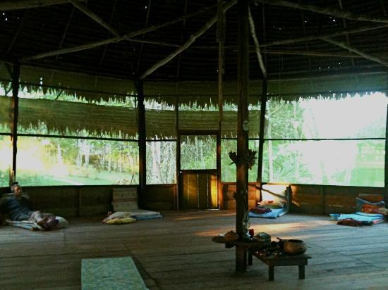 The Hummingbird Retreat Center : inside the malloca