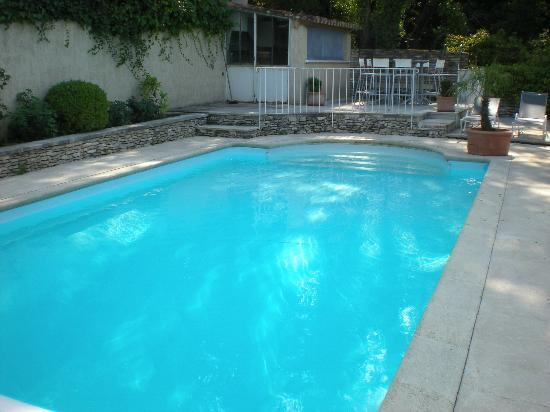 Les Terrasses du Luberon: Pool