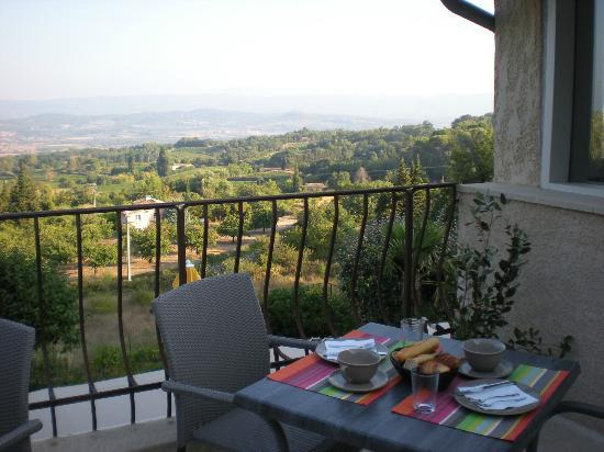 Les Terrasses du Luberon: Breakfast terrace