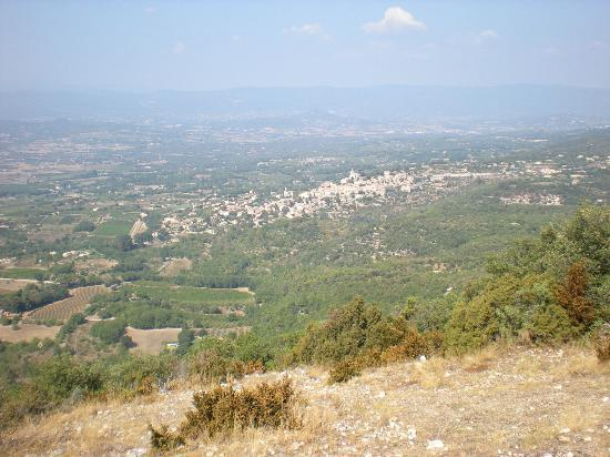 Les Terrasses du Luberon : Bonnieux from the Forest of Cedars