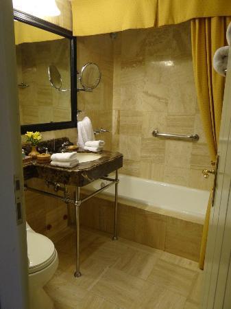 Belmond Hotel Monasterio: Bath 
