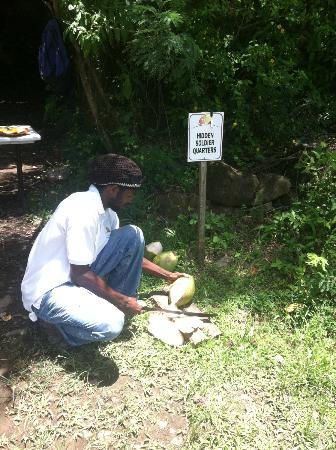 LucianStyle Segway Day Tours: Shanga cutting up a coconut