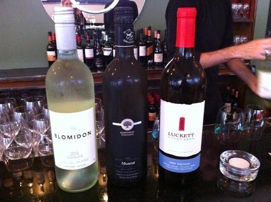 Obladee, a Wine Bar: Nova Scotia wine flight