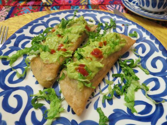 La Casa de Mis Recuerdos B&B: Delicious stuffed with Oaxacan cheese