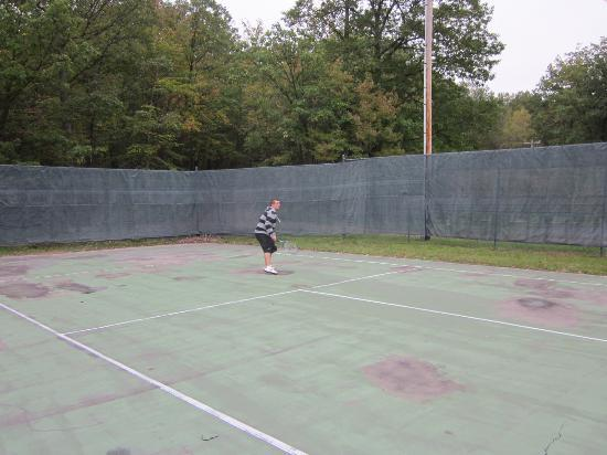 Mountain Laurel Resort & Spa : Tennis courts