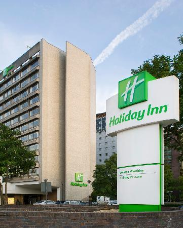 Holiday Inn London - Wembley : Exterior of the hotel