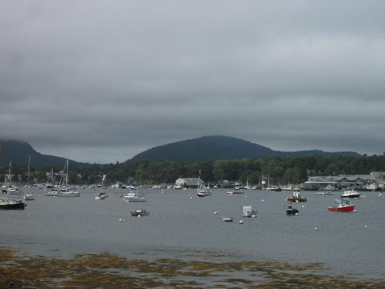 Southwest Harbor, ME: De Manset vue sur Clark Point