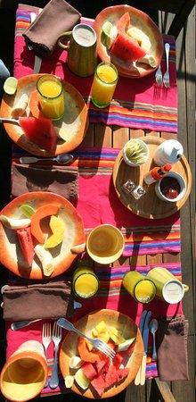 Posada Del Angel: Beautiful breakfast on the terrace