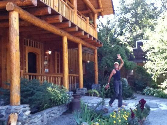 Applegate River Lodge : entrance to the lodge