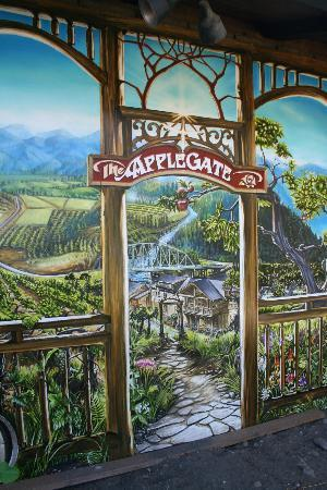 Applegate River Lodge : Mural outside the restaurant