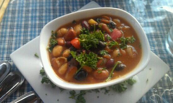 Calderas: Vegetarian baked beans medley. Yum!