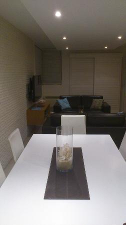 Saks On Hastings: Dining room