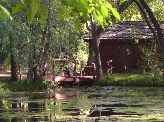 Lo Lo Mai Springs: cabin