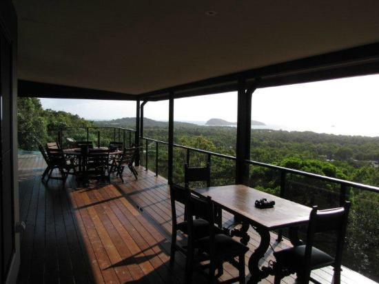 Warrawong Lodge: the verandah, looking towards Double Island