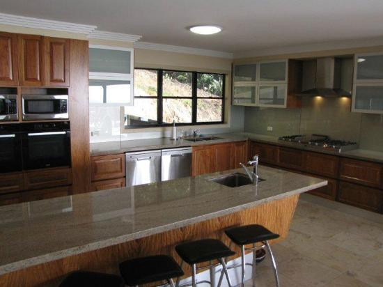 Warrawong Lodge: Kitchen