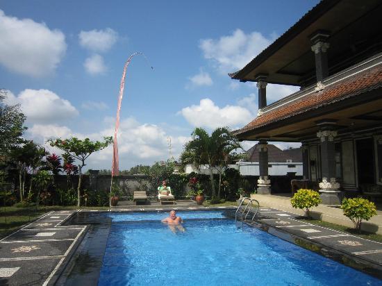 Villa Agung Khalia: Pool