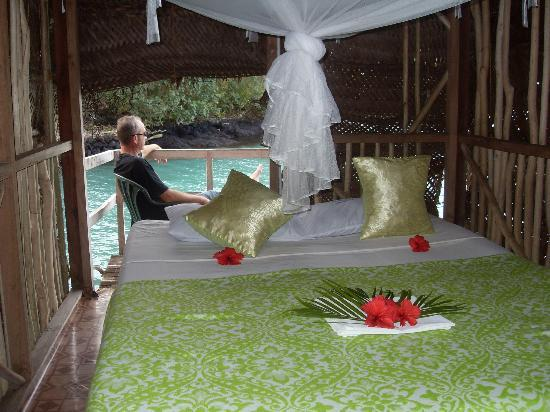 Lusia's Lagoon Chalets : looking into our fale and out to the deck