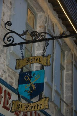 Auberge Saint Pierre: Front Sign