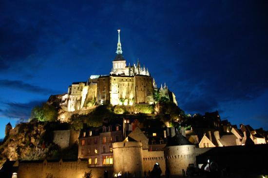 Auberge Saint-Pierre: Incredible to be there at night, my daughter took this pic.