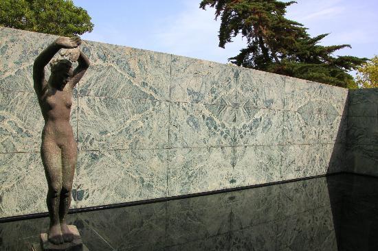 Павильон Mies van der Rohe