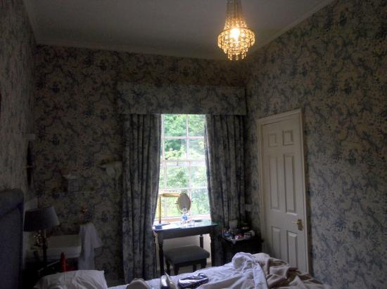 Bailbrook Lodge: our lovely blue & white room