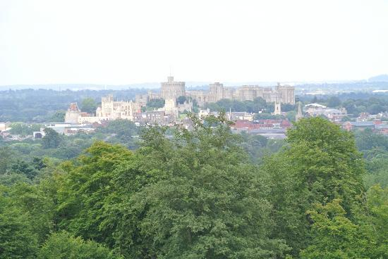 Legoland Windsor Resort Hotel: View of Windsor from Legoland Park